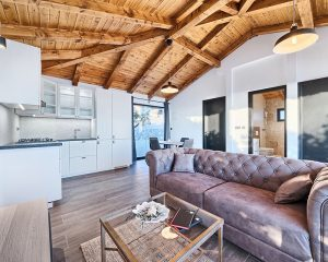 Bungalow for 4 living room Golden Haven