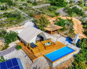 Glamping for 2 from air Golden Haven