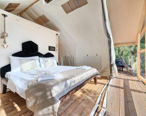 Treehouse king size bed Golden Haven resort