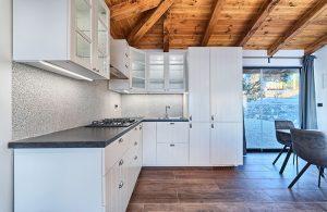 Bungalow for 4 kitchen Golden Haven resort