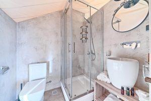Glamping for 2 bathroom Golden Haven
