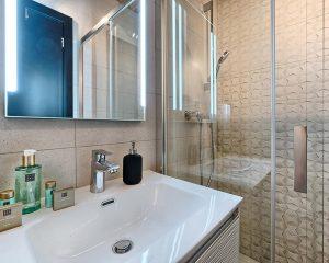 Villa Maria bathroom Golden Haven